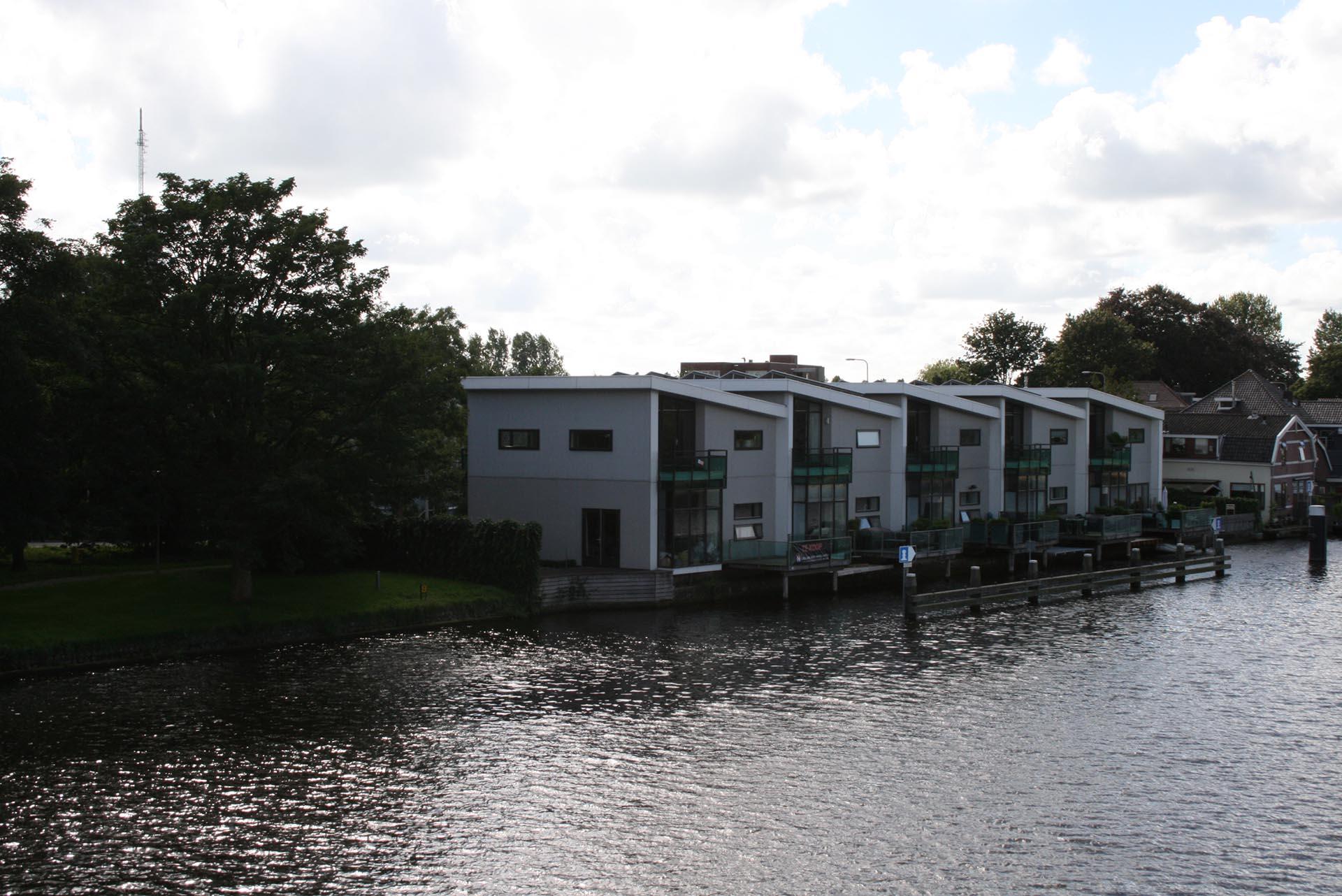 5 waterwoningen in Alphen aan den Rijn